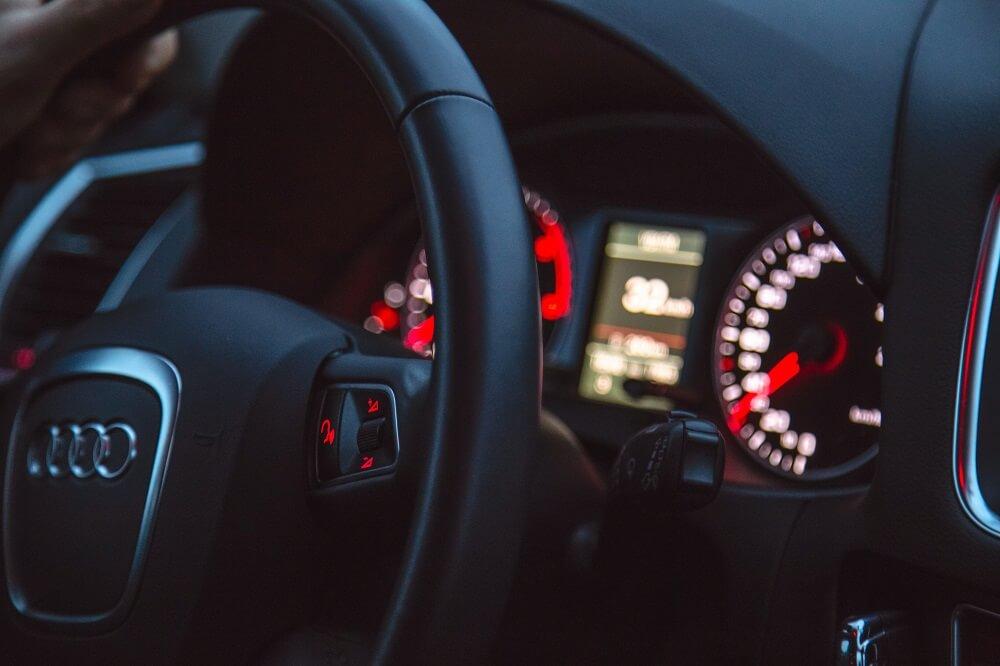 seks w samochodzie