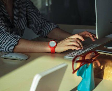 Jak poderwać kobietę przez internet